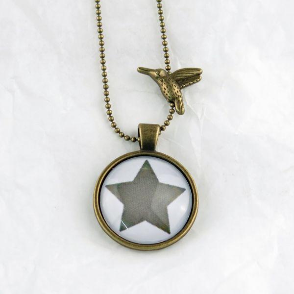 Medaillon-Halskette Stern oliv