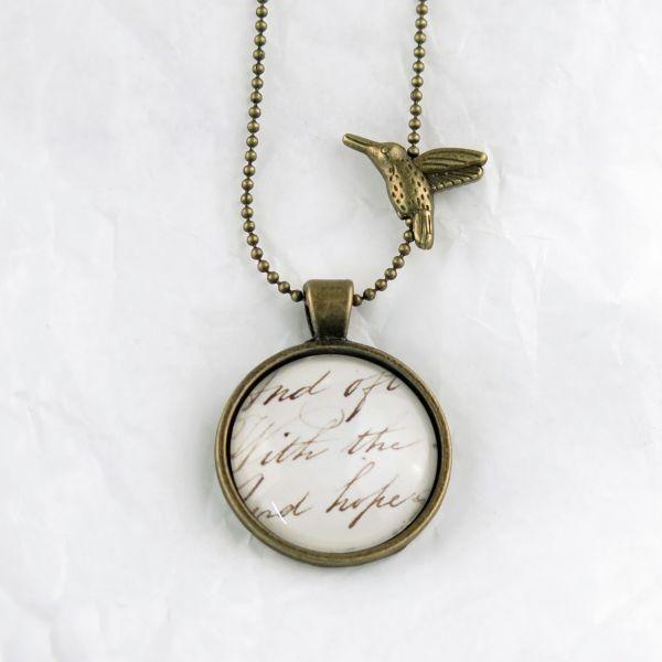 Medaillon-Halskette verblassende Schrift