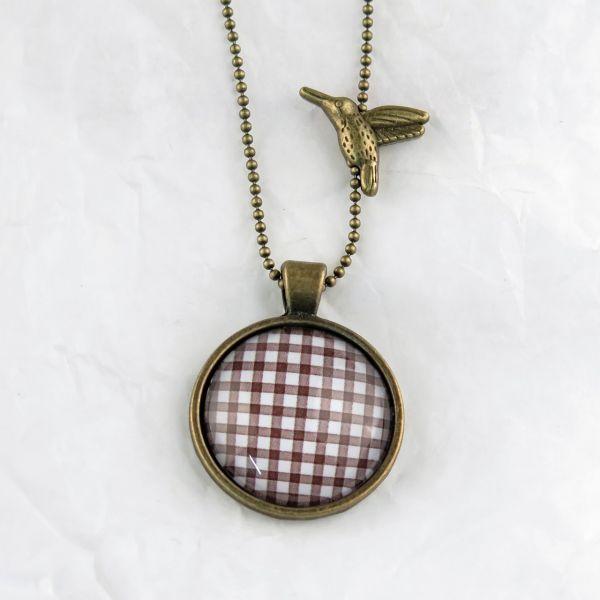 Medaillon-Halskette Karo braun-weiss