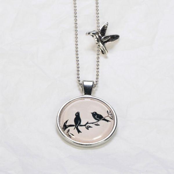Medaillon-Halskette Vögel auf Ast
