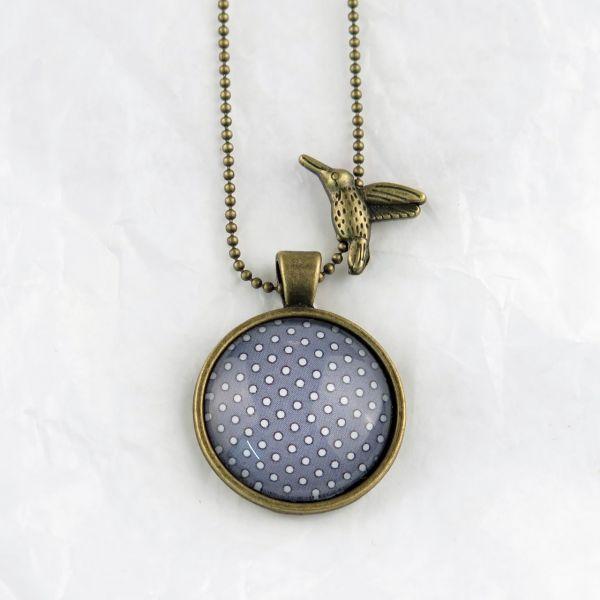Medaillon-Halskette grau/weisse Punkte