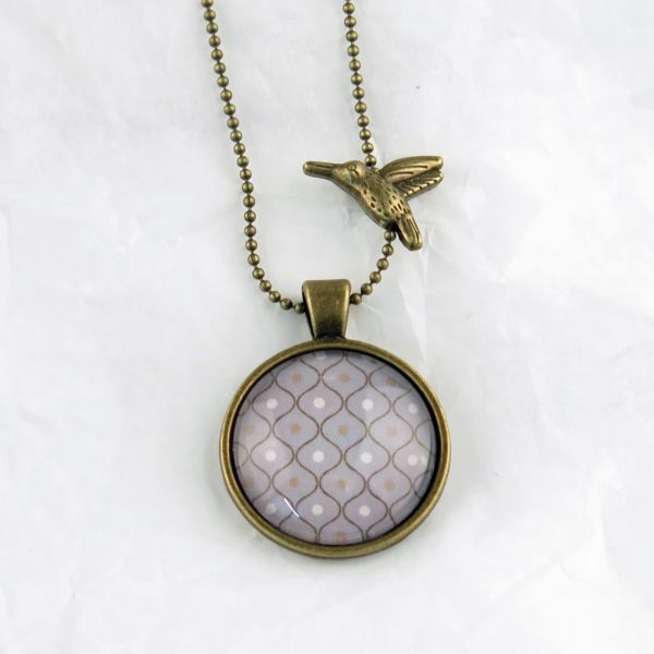 Medaillon-Halskette Muster grau/weiss
