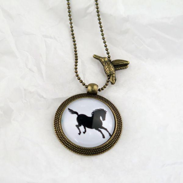 Medaillon-Halskette Pferdchen