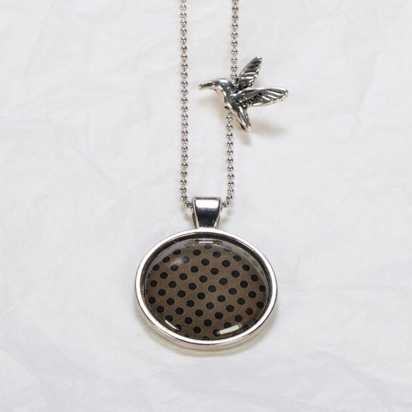 Medaillon-Halskette braun / schwarze Punkte