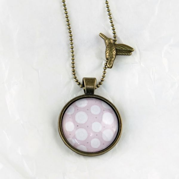 Medaillon-Halskette lila/weisse Punkte