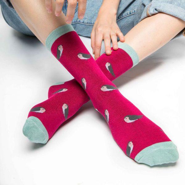 Miss Sparrow Socken Rotkehlchen rot nah