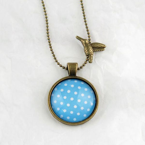 Medaillon-Halskette hellblau/weisse Punkte