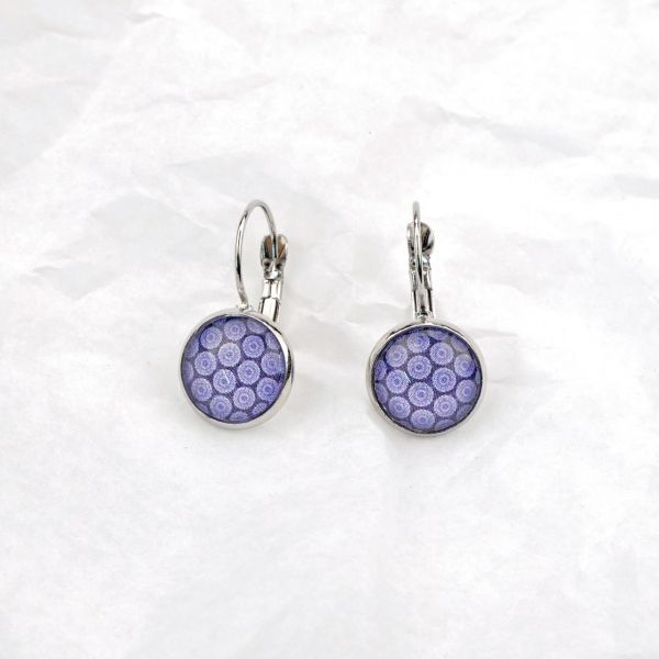 Ohrring violette Punkte