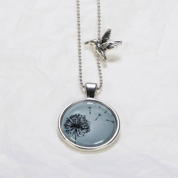 Medaillon-Halskette Löwenzahn blau