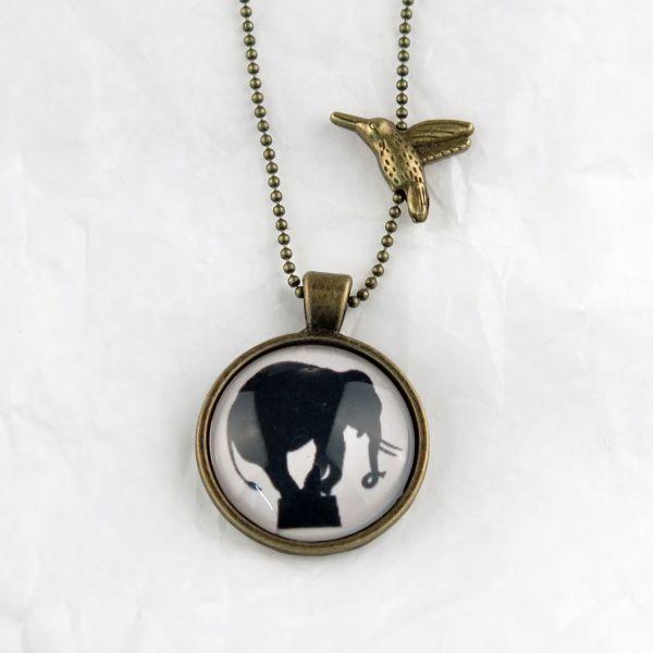 Medaillon-Halskette Elefant