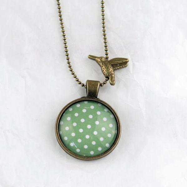 Medaillon-Halskette grün/weisse Punkte